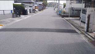 道路, 屋外, 通り, 道 が含まれている画像  自動的に生成された説明